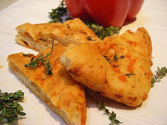 roasted-red-pepper-and-goat-cheese-focaccia-015