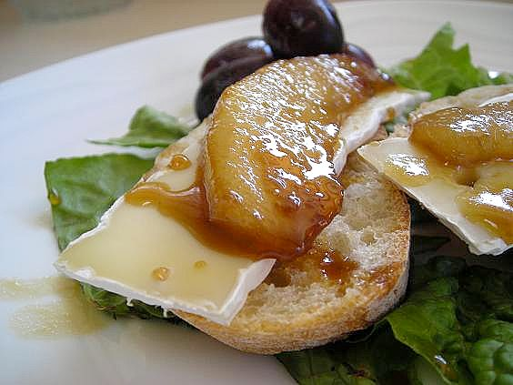 glazed-pear-and-camembert-007