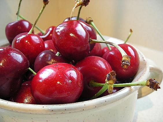 fresh cherries 009