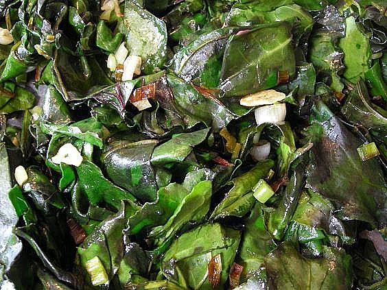 beet green pesto 001