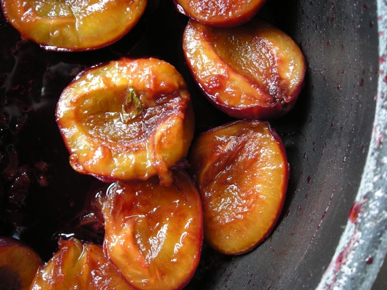 poached plums6339