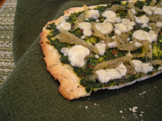 caramelized onion and pesto flatbread6833